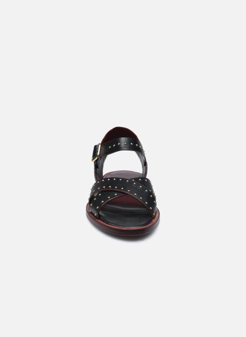 Sandalen Avril Gau Titou schwarz schuhe getragen