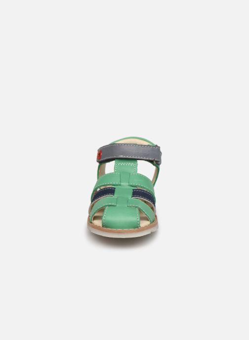 Sandali e scarpe aperte Kickers Nonosti Verde modello indossato