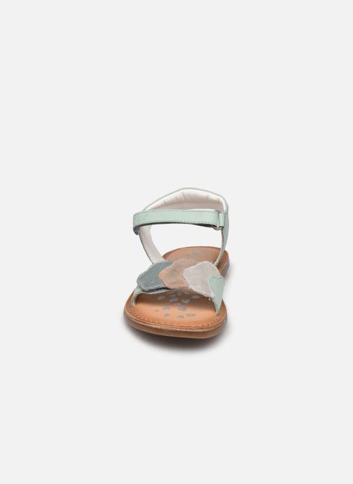 Sandalen Kickers Dyastar grün schuhe getragen