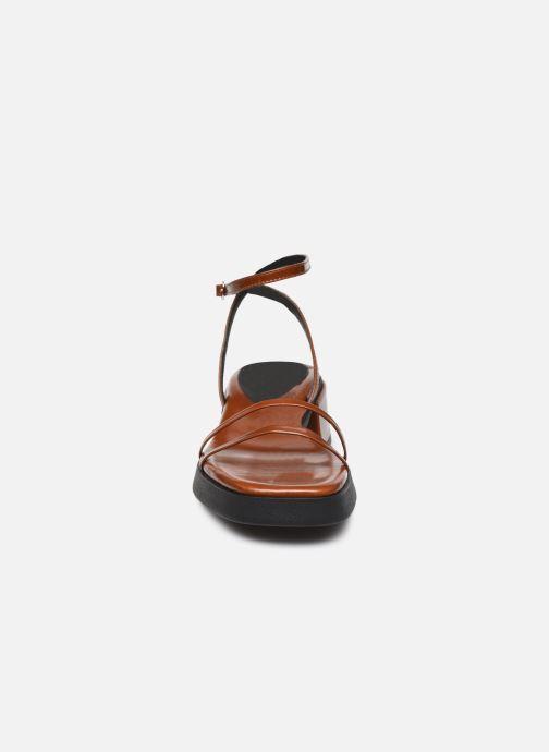 Sandalen E8 by Miista Rosalyn braun schuhe getragen