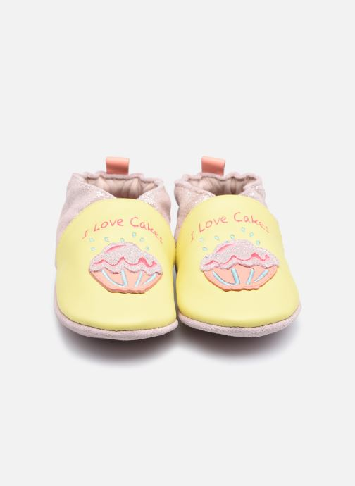 Chaussons Robeez Sweet Cake Jaune vue portées chaussures