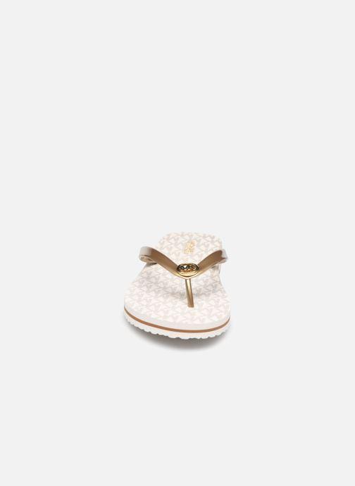 Infradito Michael Michael Kors MK FLIP FLOP STRIPE EVA Beige modello indossato
