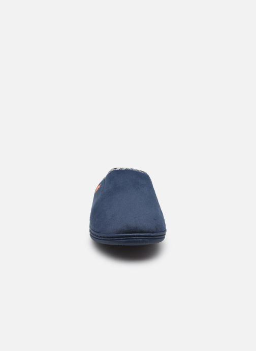 Pantofole Dim D Lubou C Azzurro modello indossato