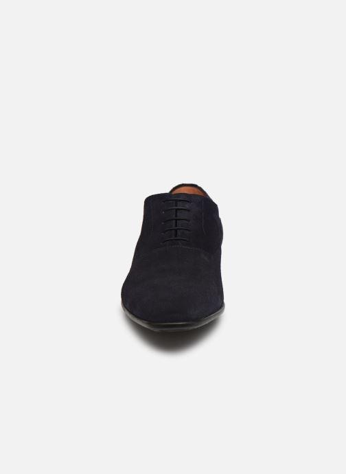 Scarpe con lacci Santoni NANTES Azzurro modello indossato