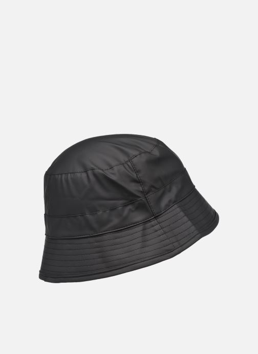 Cappello Rains  Bucket Hat Nero modello indossato