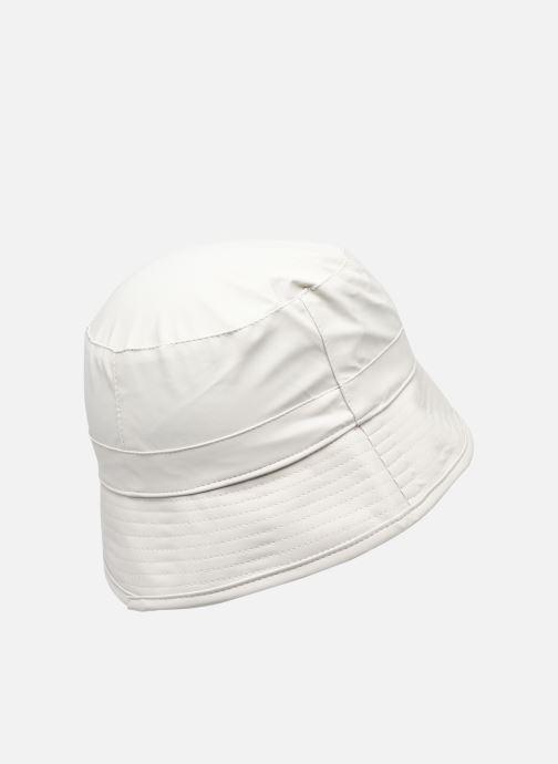 Cappello Rains  Bucket Hat Bianco modello indossato