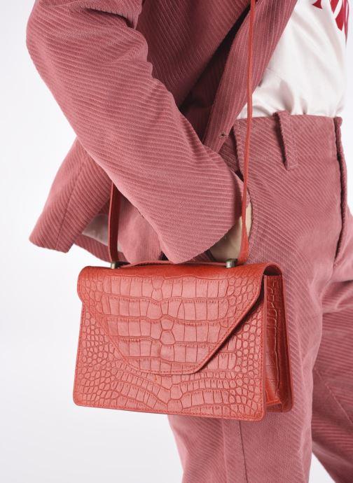 Handtaschen Georgia Rose Mafalda rot ansicht von unten / tasche getragen