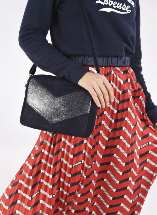 Handtaschen Georgia Rose Mélodie blau ansicht von unten / tasche getragen