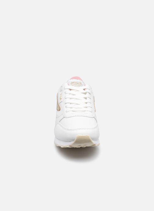 Sneaker FILA Orbit F low W weiß schuhe getragen