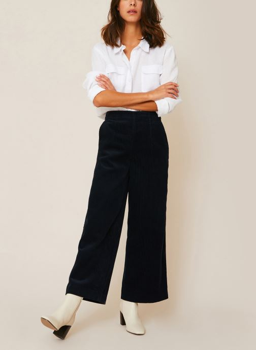 Vêtements Monoprix Femme Pantalon raccourcis velours Bleu vue détail/paire