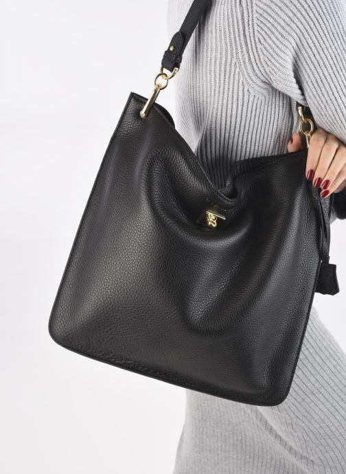 Handtaschen Mac Douglas Kentucky M Romy schwarz ansicht von unten / tasche getragen