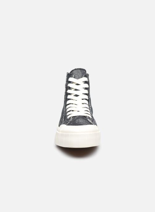 Sneaker Good News Palm Paisley schwarz schuhe getragen