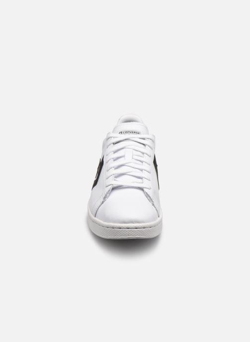 Sneakers Converse Pro Leather Ox Bianco modello indossato