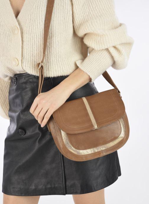 Handtaschen Pieces GEMMA LEATHER CROSS BODY FC braun ansicht von unten / tasche getragen