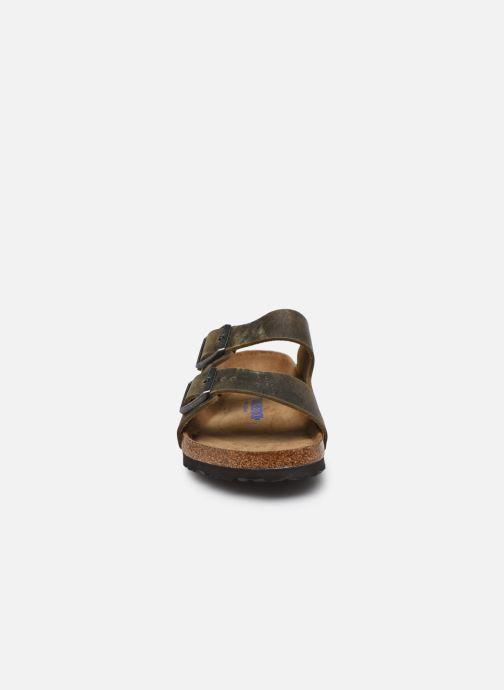 Sandali e scarpe aperte Birkenstock Arizona  SFB Cuir Gras Verde modello indossato