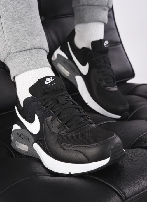 Baskets Nike NIKE AIR MAX EXCEE Noir vue bas / vue portée sac