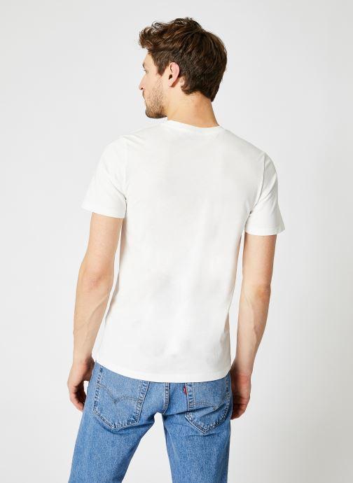 Vêtements Jack & Jones JJELOGO TEE SS O-NECK 2 Blanc vue portées chaussures