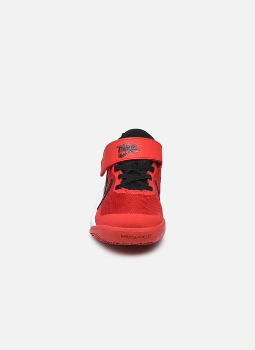 Sneakers Nike Team Hustle D 10 (Ps) Rood model