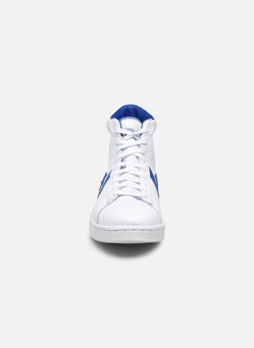 Sneakers Converse Pro Leather Bianco modello indossato
