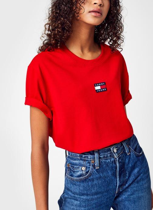 Vêtements Tommy Jeans Tjw Tommy Center Badge Tee Rouge vue détail/paire