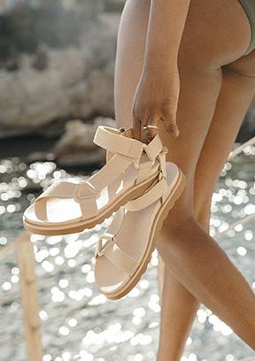 Sélection sandales origines Gang Sarenza Femme PE21